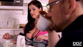 القهوة والجنس الصباح مع tatoasa