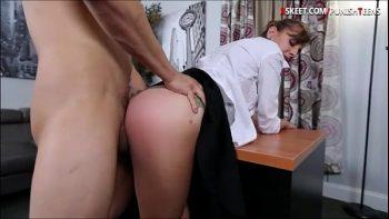 ممارسة الجنس في المكتب مع امرأة ذات صفات جيدة