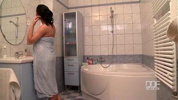 ممارسة الجنس في الحوض مع الأم المومياء