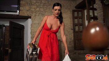 مرافقة فستان أحمر يريد إغواء لك