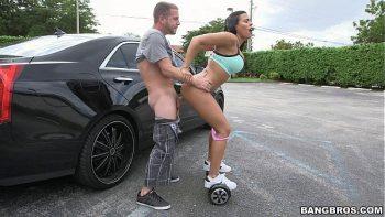 العودة إلى الوراء على hoverboard