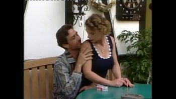 فيلم إباحي خمر مع 2 وقحة الهرات مارس الجنس في الحمار