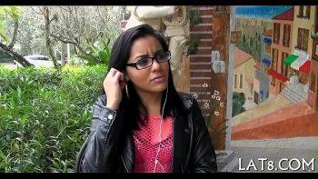ممارسة الجنس للبالغين مع الفتيات ارتداء النظارات