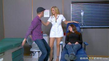 الطبيب امرأة مارس الجنس فاتنة إلى التخدير