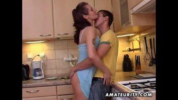 تصوير خمر في المطبخ مع فاتنة عظمى
