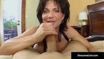 امرأة مسنة مارس الجنس في جميع الثقوب حتى القذف