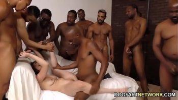 كيسي calvert مارس الجنس من قبل مجموعة من السود