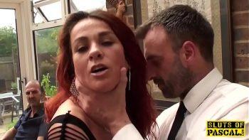 مباراة جنسية عدوانية مع عاهرة ناضجة