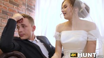 مارس الجنس قبل الزفاف في السيارة