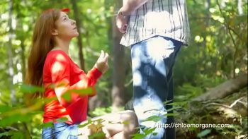 عاهرة في الغابة تأخذ اللسان واللعنة