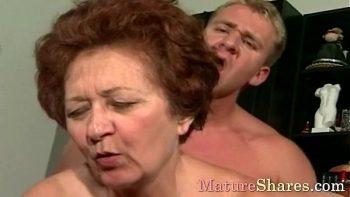الإباحية مع امرأة تبلغ من العمر 62 عامًا لا تزال جيدة في الديك