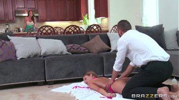 لديه القدرة على ممارسة الجنس معها بقدر ما تريد