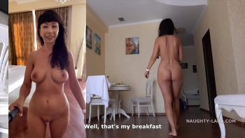 يتم تصويرها عارية وعندما تمارس الجنس مع صديقها المفضل مع الديك المشعر